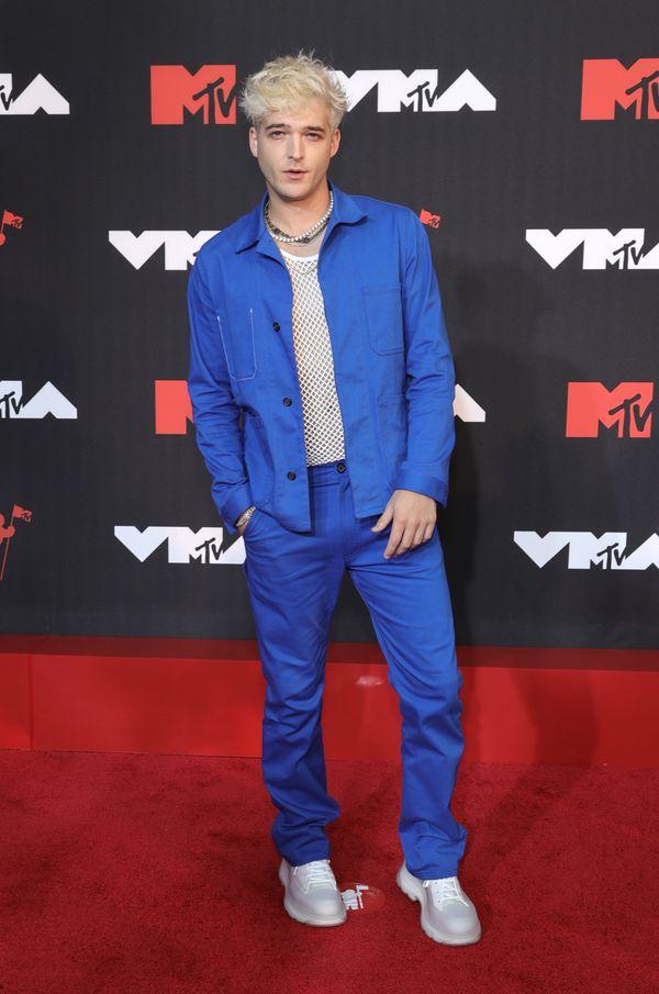 Kourtney Kardashian and Travis Barker make red carpet debuts at VMAs