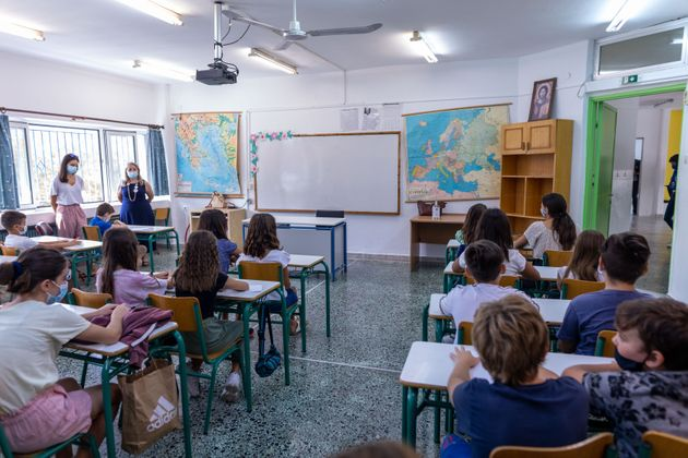 Αγιασμός στο 87ο Δημοτικό Σχολείο Θεσσαλονίκης παρουσία της υπουργού Παιδείας Νίκης Κεραμέως, Δευτέρα 13 Σεπτεμβρίου 2021