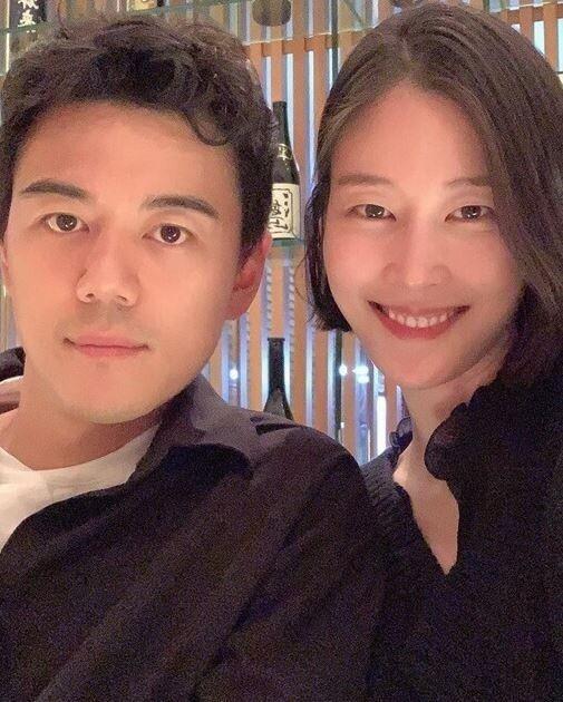 이현이 인스타그램 / 남편 홍성기와 모델