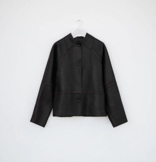 Abrigo oversize de piel de napa de Zara