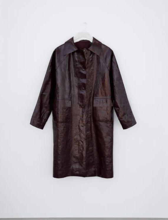 Abrigo de Zara y Kassl Editions