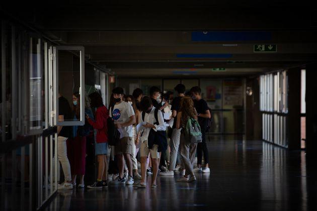 Un grupo de estudiantes en Cataluña, durante las pruebas de acceso a la universidad de