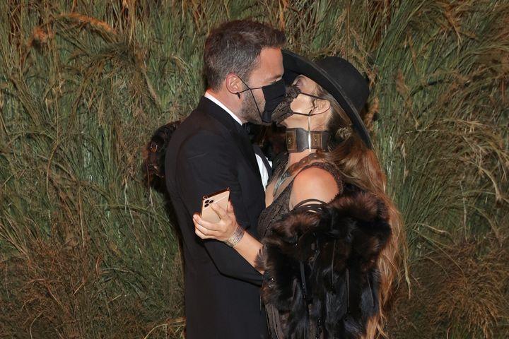 Ben Affleck y Jennifer Lopez en la gala Met 2021.
