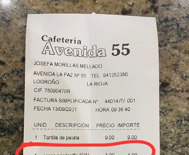El ticket de la cafetería Avenida 55 que ha provocado una oleada de comentarios en