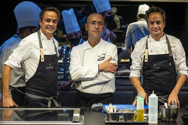 Javier y Sergio Torres con Roger Puiggros, chef del Parador de