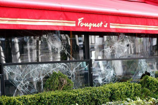 Le restaurant Le Fouquet's, sur les Champs-Elysées, avait été vandalisé lors...