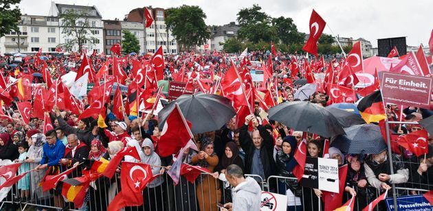 Κολονία 31 Ιουλίου 2016 Μετά το πραξικόπημα στην Τουρκία - Τούρκοι διαδηλώνουν υπέρ του