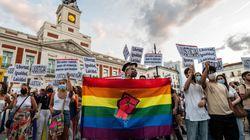 Bruselas exige, sin el apoyo de PP y Vox, reconocer los derechos de las parejas homosexuales en toda la