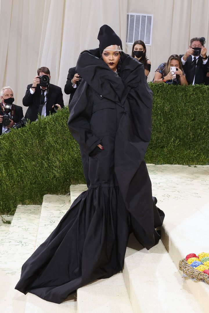 Rihanna attends the 2021 Met Gala.