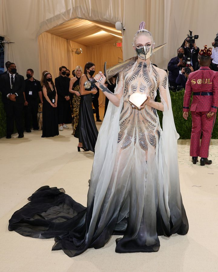 NEW YORK, NEW YORK - SEPTEMBER 13: Grimes attends The 2021 Met Gala Celebrating In America: A Lexicon Of Fashion at Metropoli