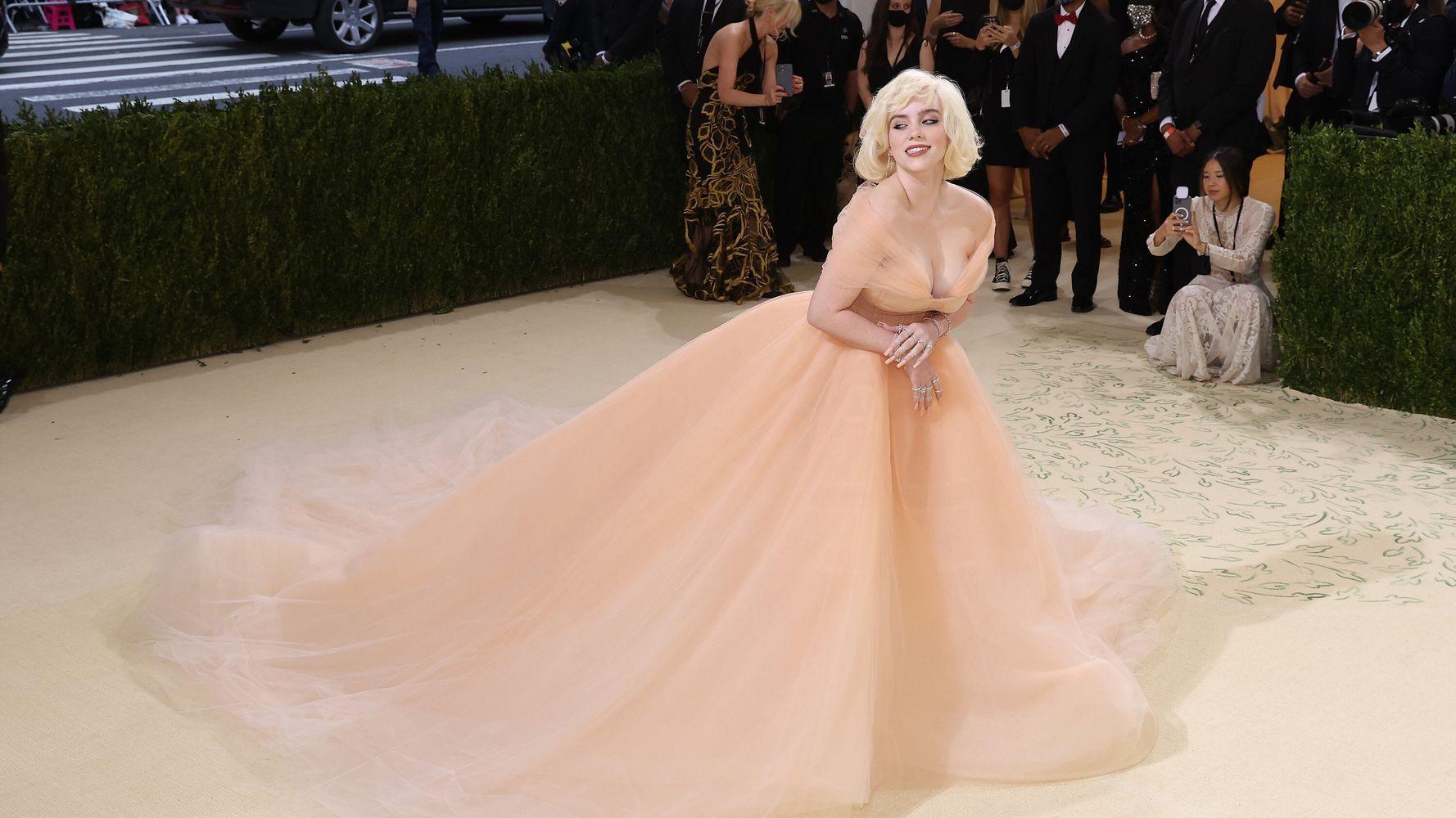 Oscar De La Renta Drops All Fur Sales In Deal To Dress Billie Eilish