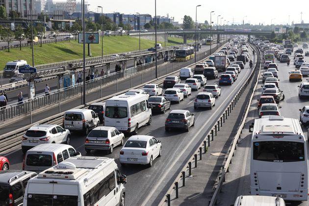 Κωνσταντινούπολη: Ο φόβος της πανδημίας έφερε τεράστια μείωση στη χρήση των
