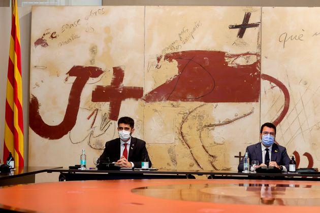 El presidente de la Generalitat, Pere Aragonès, junto a su vicepresidente, Jordi