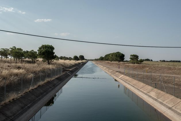 Canal para el trasvase desde el río