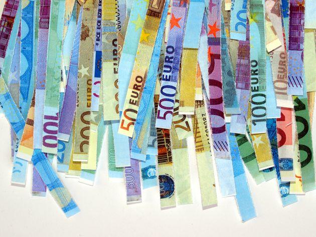 Πόσος είναι ο μέσος φόρος για φέτος-Λήγει απόψε η προθεσμία υποβολής φορολογικών