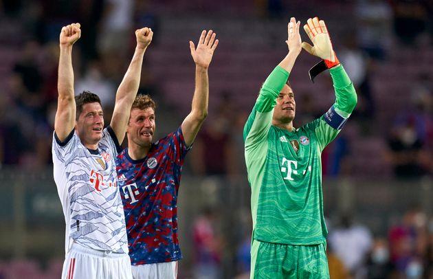 Los jugadores del Bayern celebran la victoria en el Camp