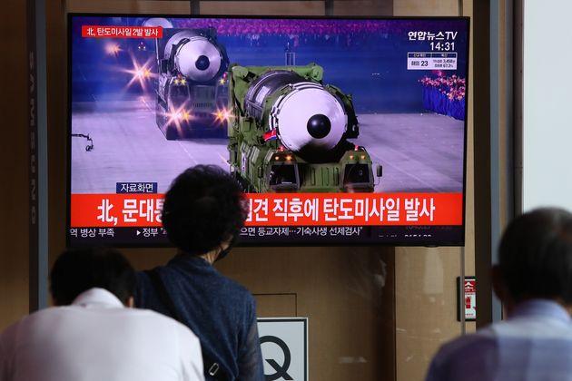 Νέα εκτόξευση βαλιστικών πυραύλων από τη Βόρεια