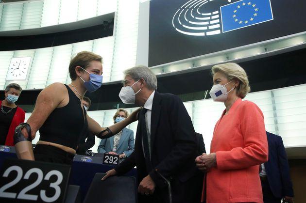 European Commission President Ursula von der Leyen (R) and European Economy Commissioner Paolo Gentiloni...