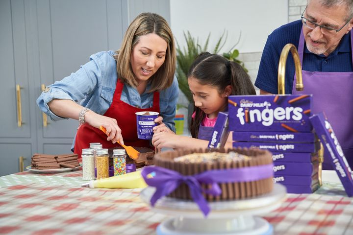 Cake Decorating with Cadbury Dairy Milk Fingers