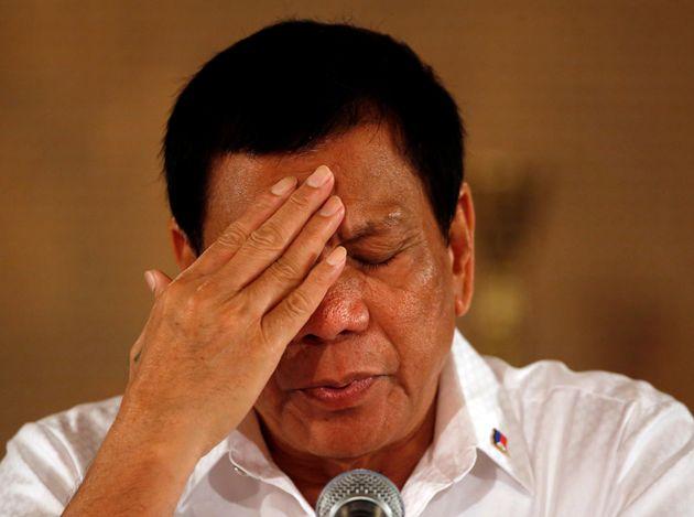Rodrigo Duterte, durante una rueda de prensa en Manila, en