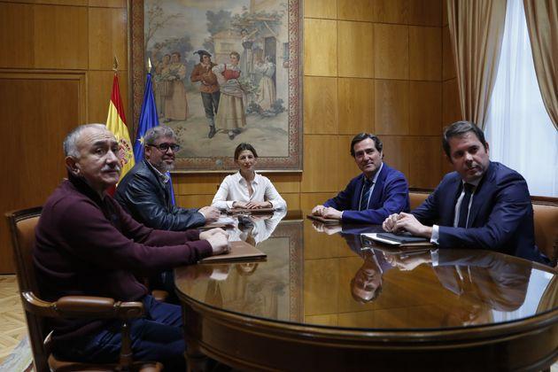 La ministra de Trabajo, Yolanda Díaz, en un encuentro con patronal y