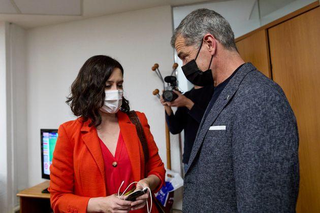 Díaz Ayuso y Toni Cantó, en una foto de