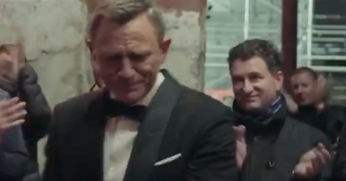 Daniel Craig Tears Up In Emotional James Bond Goodbye: 'One Of The Greatest Honours Of My Life'