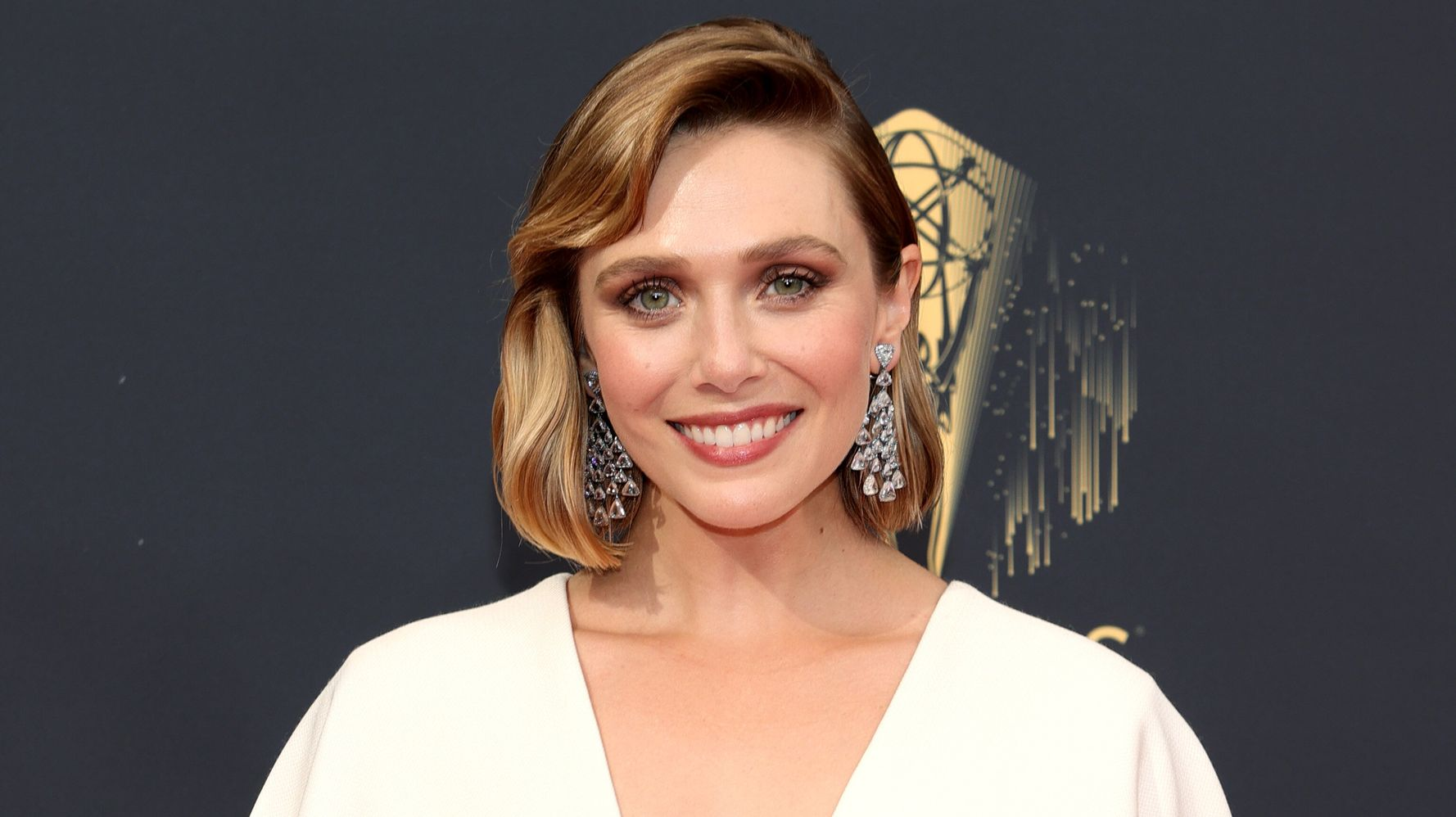 Elizabeth Olsen Is A (Wanda) Vision In Emmys Gown Made By Sisters Mary Kate And Ashley