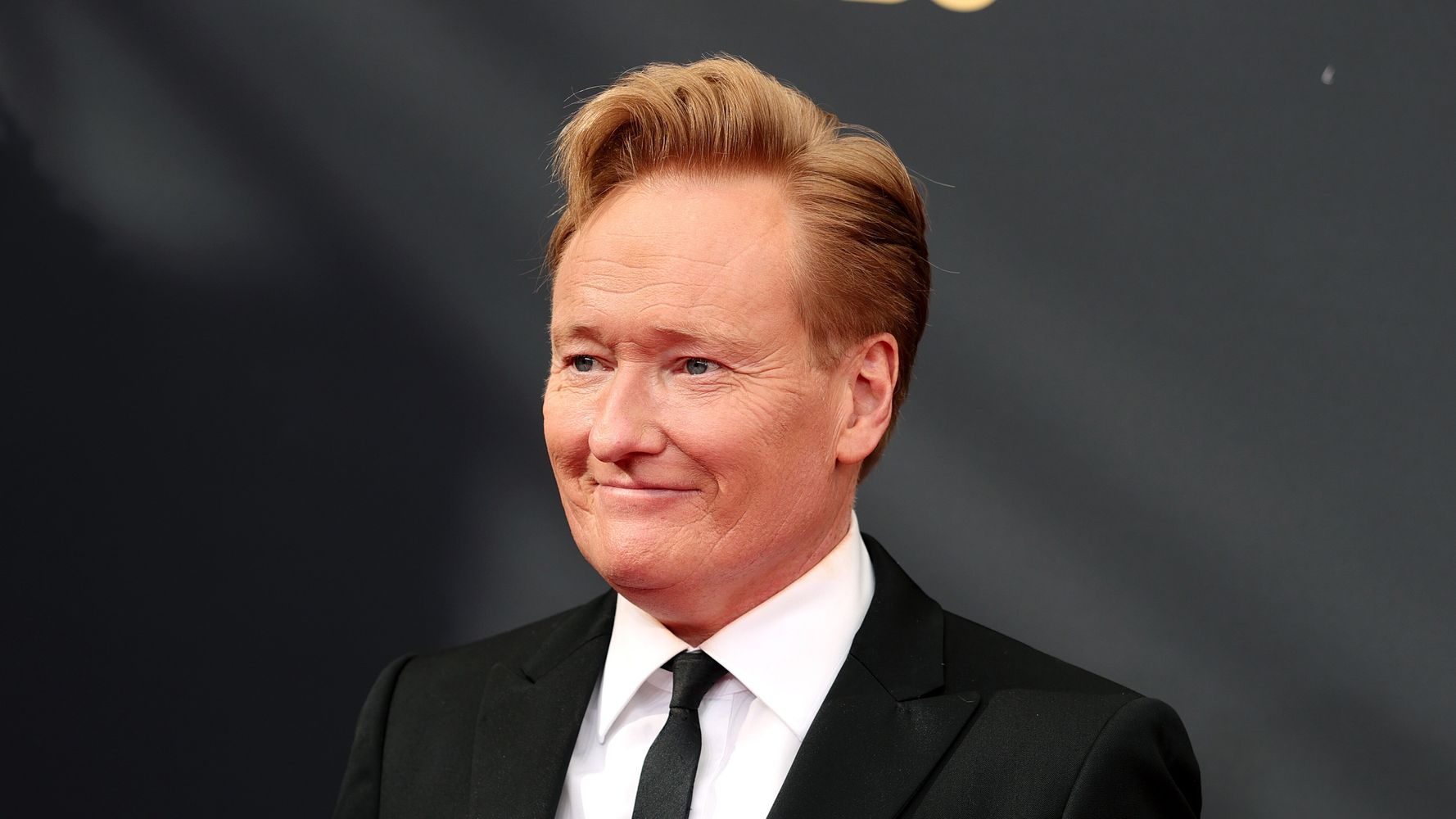 Conan O'Brien Interrupts Emmys With Hilarious Outburst, Sends Twitter Into Tailspin - Yahoo Entertainment