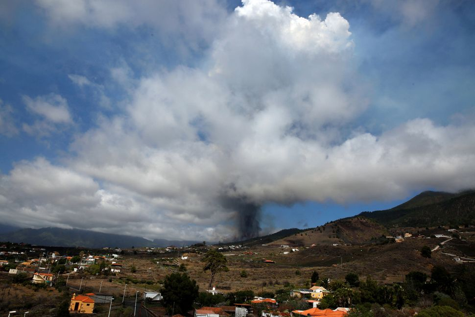 La Palma's Volcano: Dramatic Photos Capture Canary Island's