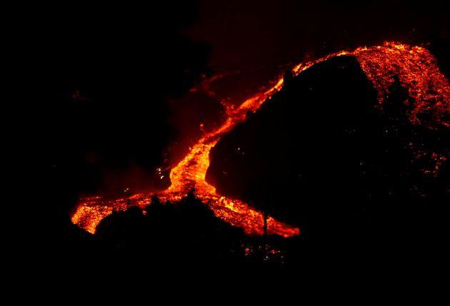 Ηφαίστειο στη Λα Πάλμα: Μέσα στα σπίτια η λάβα - 5.000 άνθρωποι έχουν