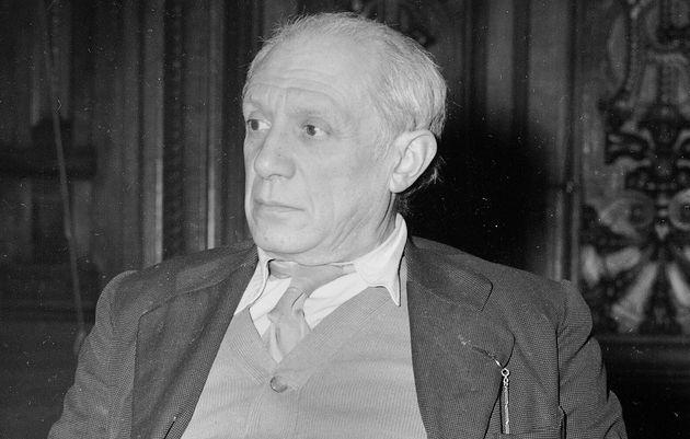 Le peintre Pablo Picasso à l'Université La Sorbonne, le 2 février