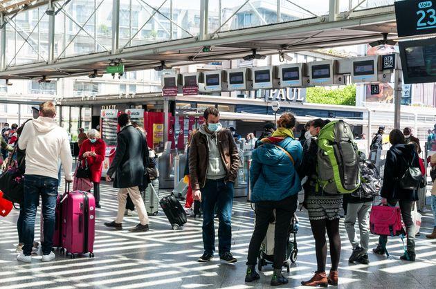 Gli Usa allentano le restrizioni di viaggio per i passeggeri Ue