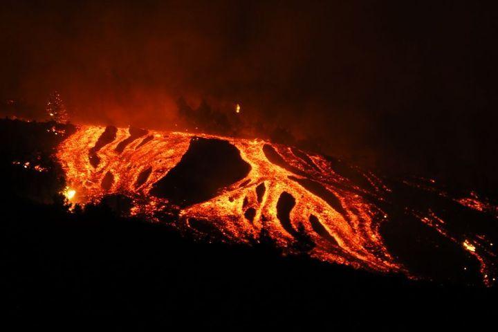 La lava, en la noche del domingo al lunes