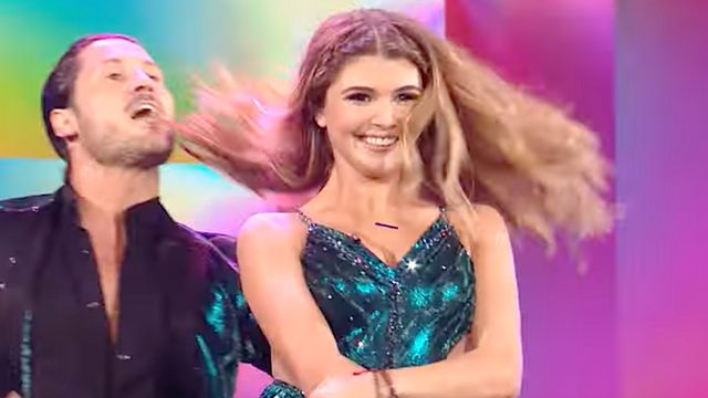 Olivia Jade Roasted For Saying She's Best Known As 'Influencer' On 'DWTS'.jpg