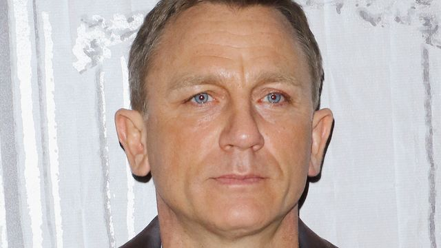 Daniel Craig Says James Bond Shouldn't Be Played By A Woman.jpg