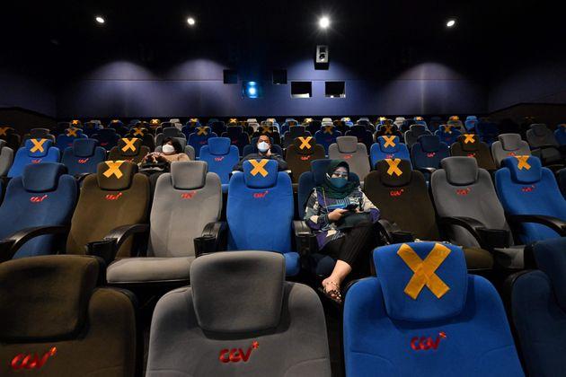 Verso teatri e cinema con capienza al 75-80%. Costa: