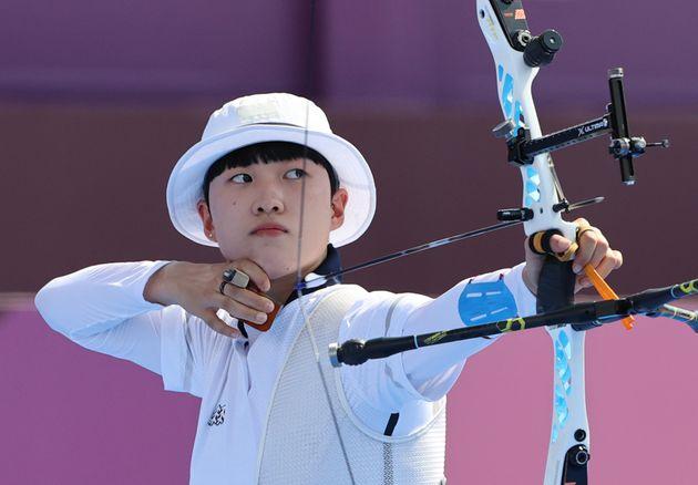 2020 도쿄올림픽에서 양궁 금메달 3관왕을 달성한 안산
