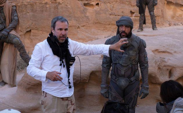 Ντενί Βιλνέβ και Χαβιέ Μπαρδέμ στα γυρίσματα της ταινίας.