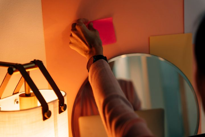 Keep a schedule of your morning routine on a sticky note on your mirror.