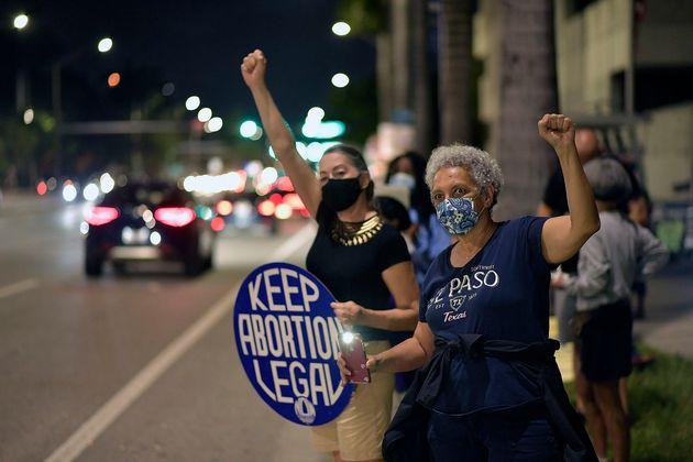 Protesta de mujeres proaborto contra el proyecto de ley de