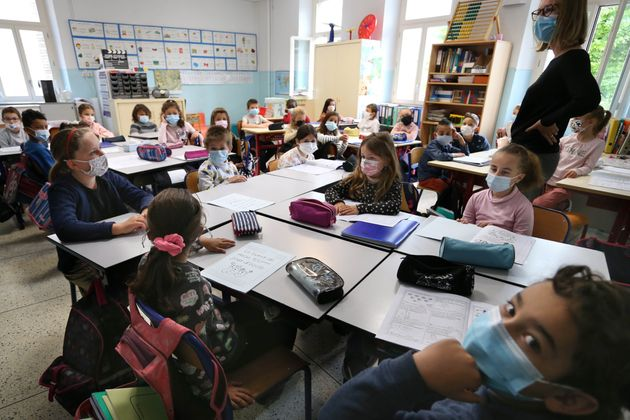 Des élèves dans une classe dans une école d'Antibes (Alpes-Maritimes), le 26 avril 2021. (photo d'illustration)