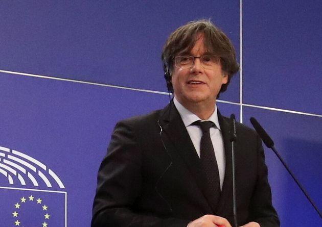 Le leader indépendantiste catalan Carles Puigdemont arrêté en Italie (photo du 9...