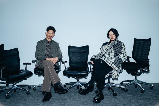 永山瑛太さん(左)とオダギリジョーさん(右)