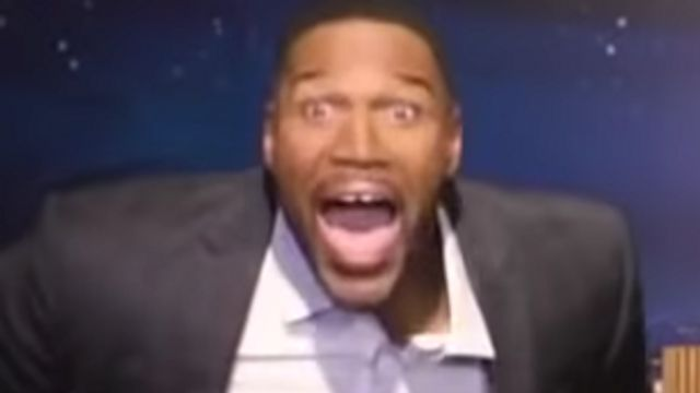 Michael Strahan Pretends To Be His Waxwork And Freaks People Out.jpg