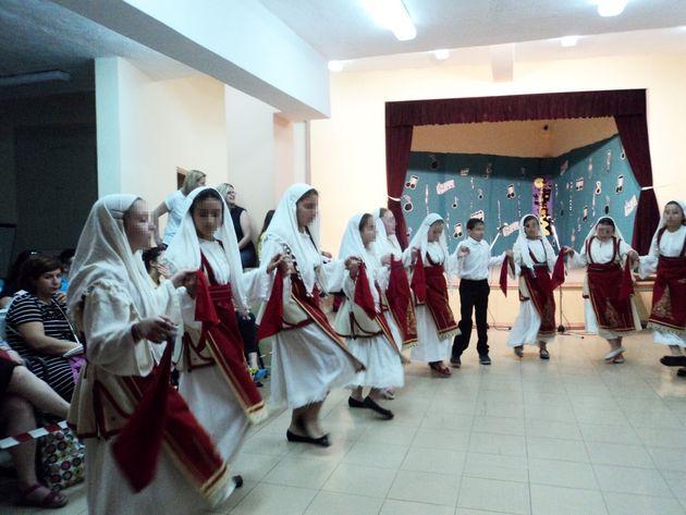 Ελληνικοί παραδοσιακοί χοροί σε κέντρο δημιουργικής μάθησης του