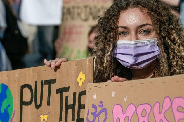 Μαθητές και νέοι του «Fridays for Future Greece» και της «Πρωτοβουλίας Νέων» καλούν τους πολίτες στο...