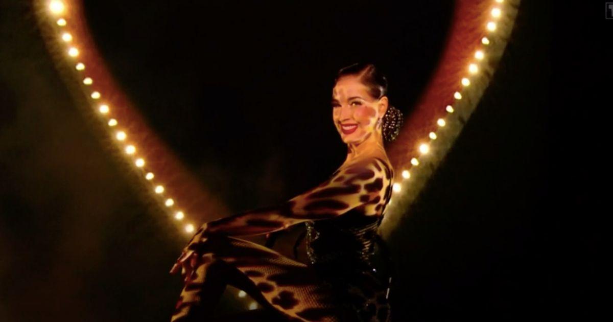 """Dita Von Teese a donné un coup de chaud aux fans de """"Danse avec les stars"""""""