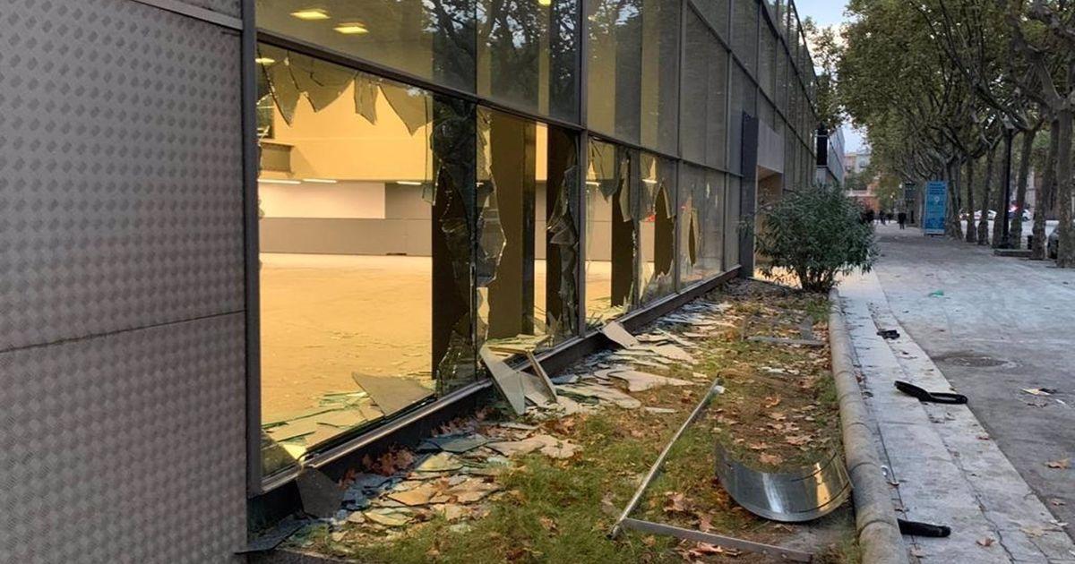 Graves disturbios en Barcelona: 43 heridos, tres graves, en un macrobotellón por las fiestas de la Mercè