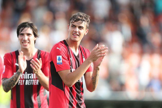 Daniel Maldini del AC Milan celebra la victoria tras el partido de Serie A entre Spezia Calcio y AC ...